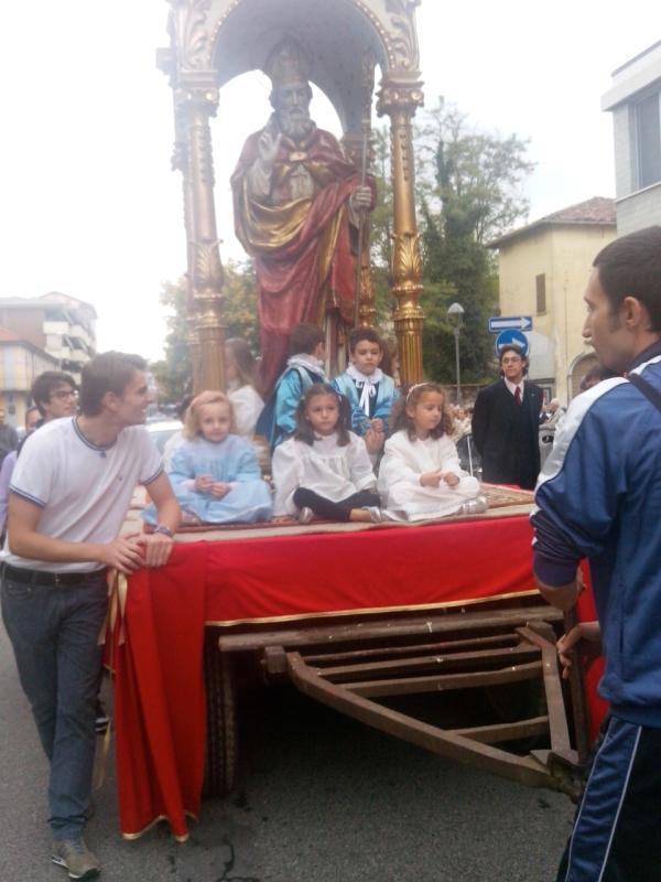 La tradizionale processione con la statua di San Martino
